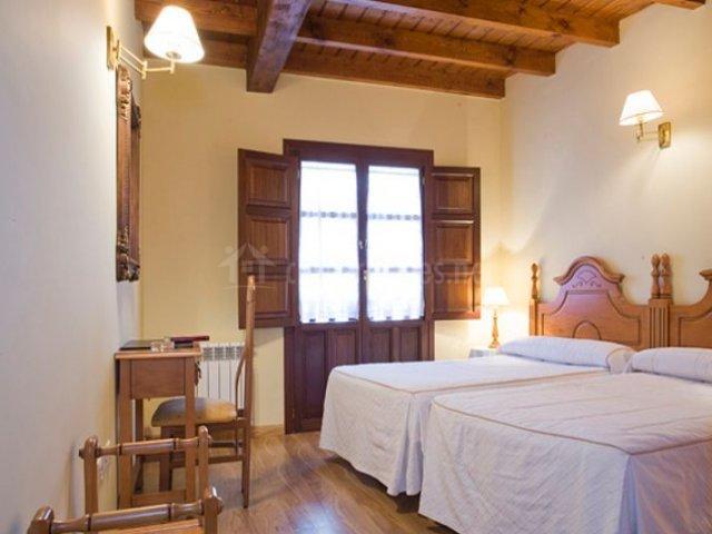 Las Acacias y dormitorio doble