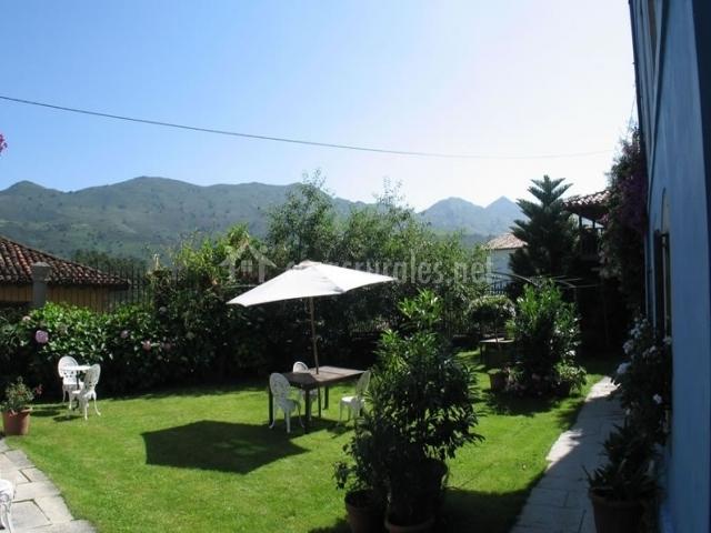 La casa del jard n en llanes asturias for Casa jardin asturias