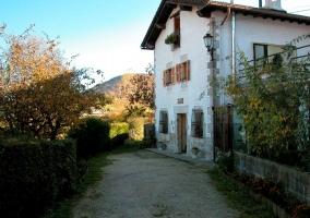 Fachada de la casa rural Zubiarena