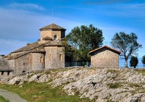 Iglesia de San Martín de Satrustegui