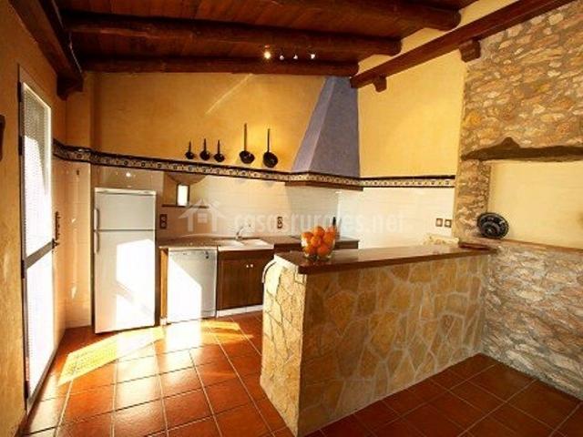 Hort del viver en san jorge castell n - Piedra para cocina ...