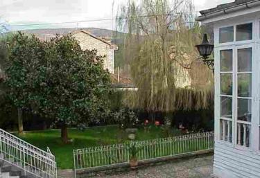 Casa el Médico I y II  - Cornellana (Salas), Asturias