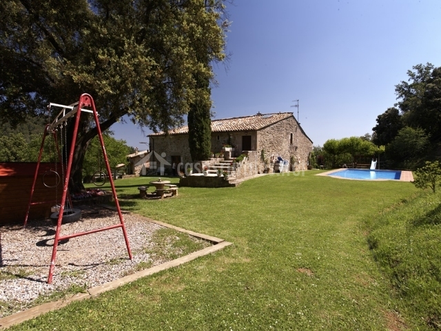 Can soler i casas rurales en porqueres girona - Can caponet casa rural ...