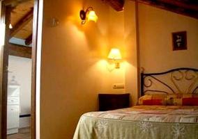 Dormitorio triple con tres camas individuales