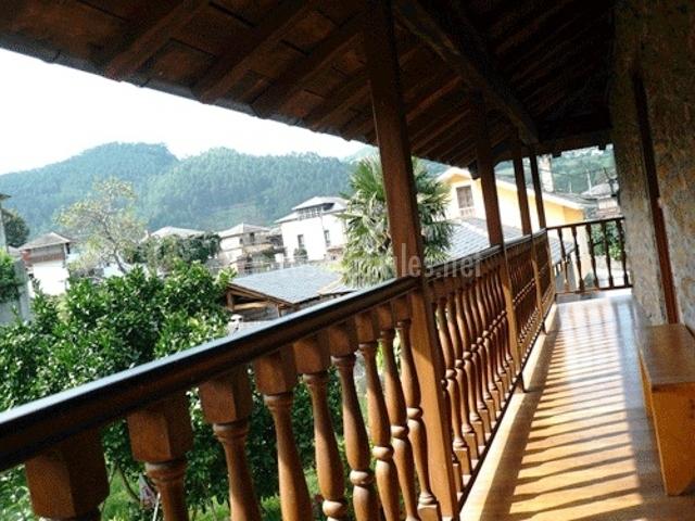 Casa sergio casas rurales en brieves asturias - Balcones de madera ...