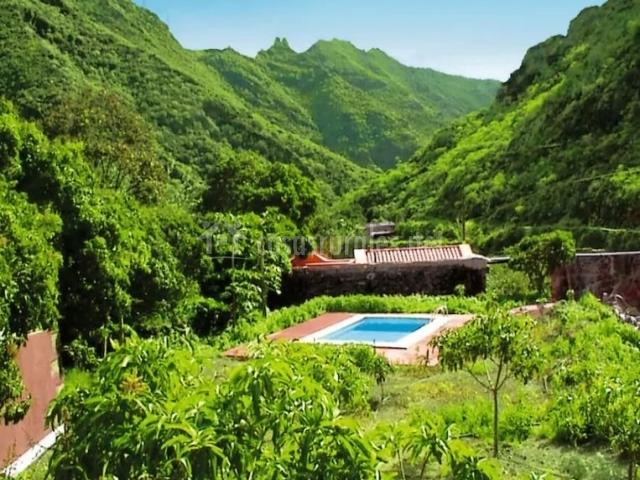 Casa rural dos barrancos i en maria jimenez tenerife for Casa rural con piscina en tenerife