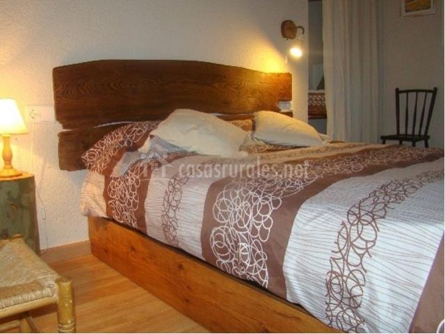 Dormitorio con bano de la masia