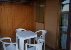 Terraza con muebles de exterior
