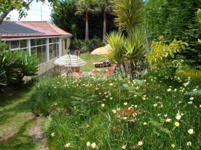 Vistas del jardín de la casa
