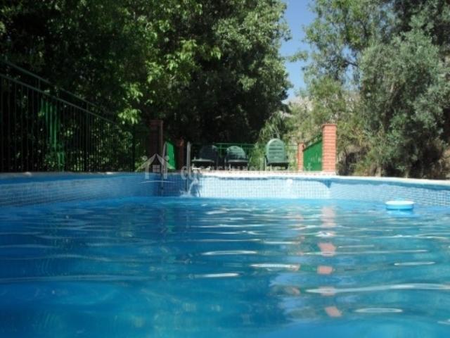 Casa rural el granero en monachil granada for Tumbonas piscina baratas