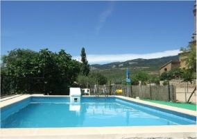 Vistas de la piscina de la casa rural