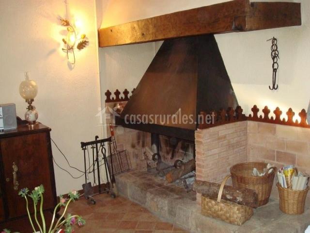 La coixinera en muntanyola barcelona - Casa rural con chimenea en la habitacion ...