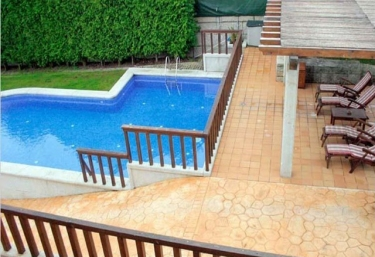 Casas rurales con piscina en baiona for Apartamento rural con piscina privada
