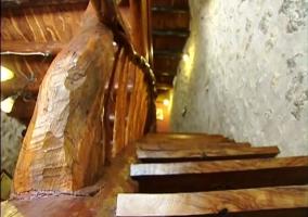 Las escaleras vistas desde un escalon bajo