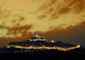 Morella y su castillo por la noche