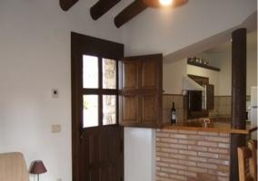 Salón y cocina comunicados