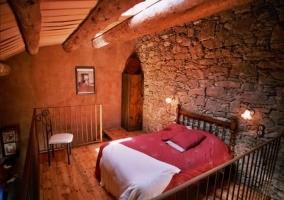Dormitorio doble con encanto en la casa rural