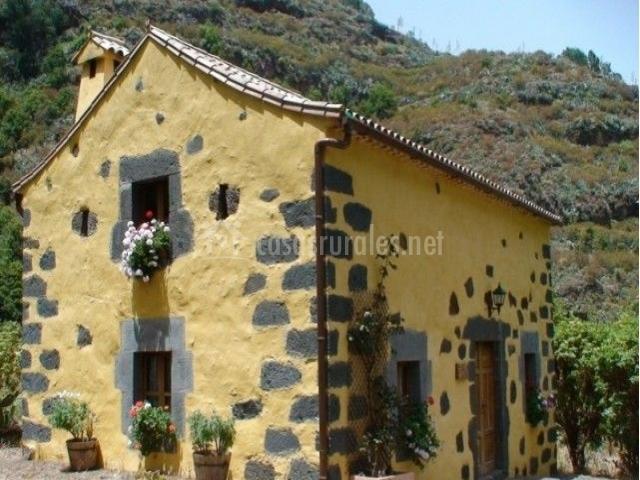 Casa rural el pajar de la virgen en valleseco gran canaria - Casas de madera en gran canaria ...