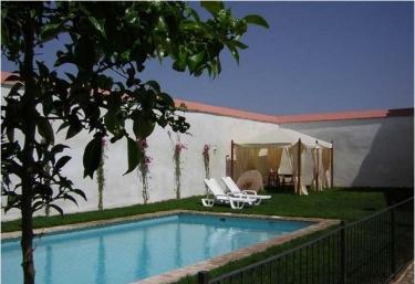 Casas rurales con piscina en sevilla for Alquiler de casas con piscina en sevilla