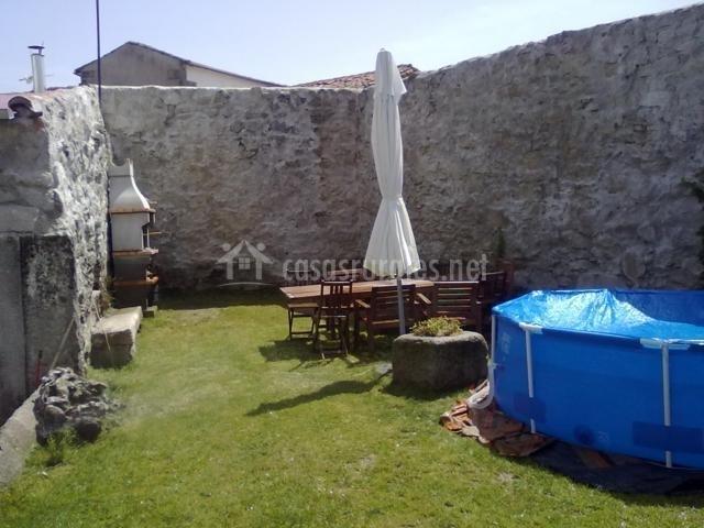 El corral de la antigua en nava de bejar salamanca for Barbacoa y piscina madrid