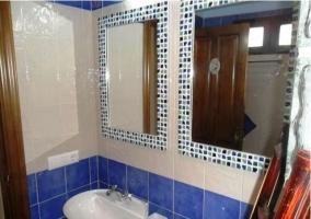 Espejos del baño de la casa rural