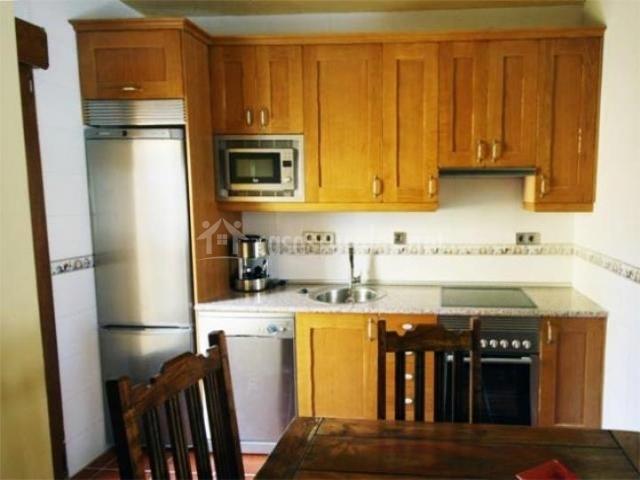 La casa del buen amor en gil garc a vila for Muebles de cocina completa