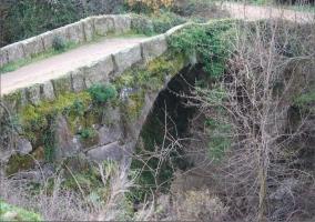 Puente en el entorno del pueblo