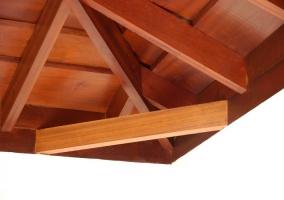 Detalle del techo ligeramente abovedado