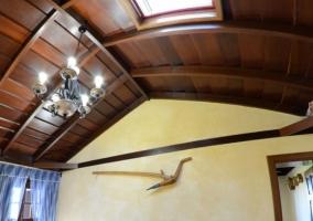 Sala de estar con techo abovedado Vista de pez