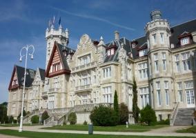 Panorámica del Palacio de la Magdalena de Santander, antigua residencia de verano de los reyes españoles