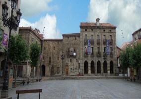 Una de las plazas principales en Reinosa, Cantabria