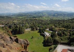 Vista del parque de la naturaleza de Cabárceno en la provincia de Cantabria