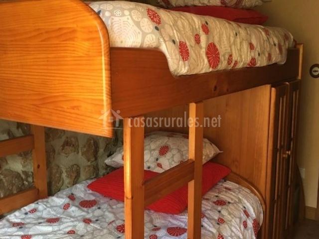 Dormitorio doble con la litera