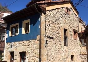 Vistas de la fachada azul