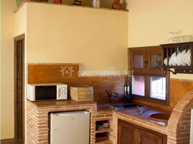 Casa la nutria en cazalla de la sierra sevilla - La casa de las cocinas sevilla ...