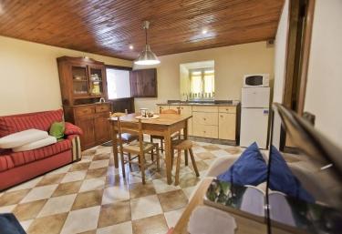 Apartamentos San Martín- Balseireo - Trevias, Asturias