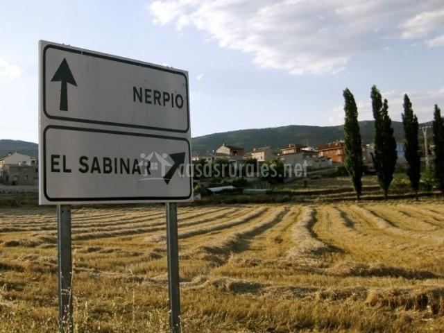 Cartel indicando el camino a El Sabinar