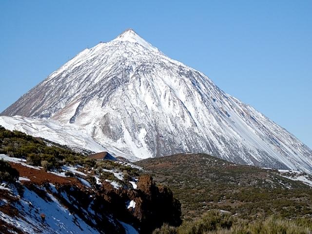 El Teide completamente nevado