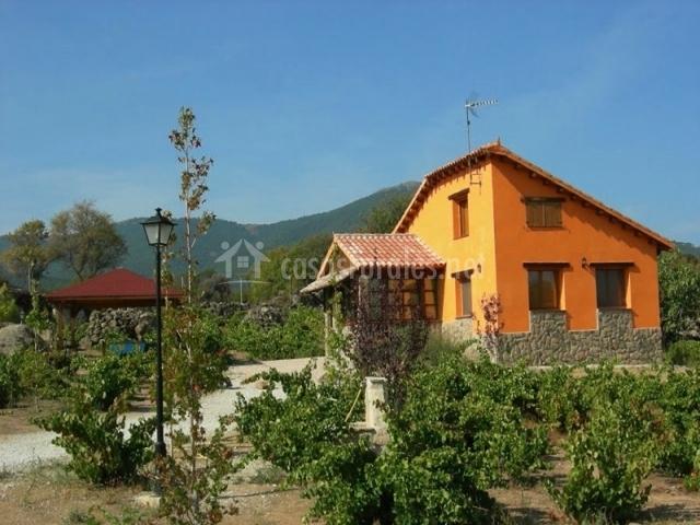 Casa naranja rural las vinas casa rural en el tiemblo vila - Casas rurales el tiemblo ...