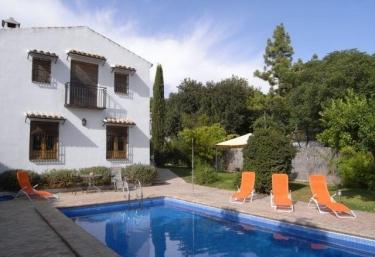 Casas rurales con piscina en torredonjimeno for Casas rurales con piscina en alquiler
