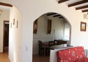 Arco con barra y cocina