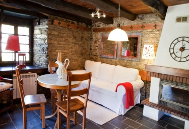 Casas rurales con chimenea en taramundi for Casa rural con chimenea asturias