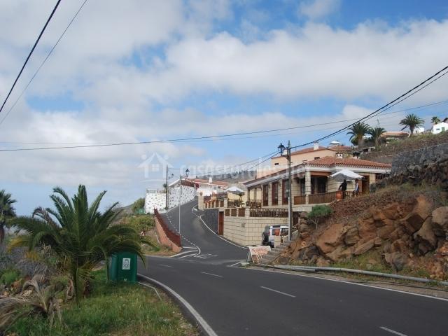 Carretera y casa en Vera de Erques