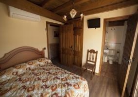Dormitorio doble con aseo integrado