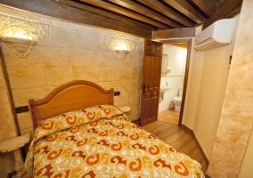 Dormitorio doble con aseo