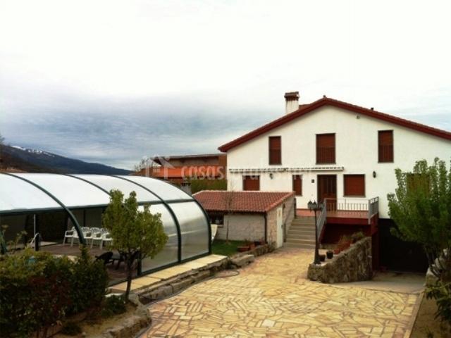 Casa rural refugio la covatilla iii en la hoya salamanca for Piscinas cubiertas salamanca