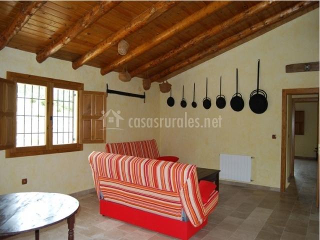 Casa grande sapillo en nerpio albacete for Sala de estar madera