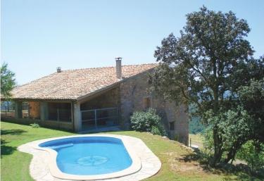 Casas rurales con piscina en pallerols de rialb for Casas rurales con piscina en alquiler