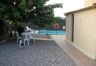 7 casas rurales con piscina en vilobi d 39 onyar - Casa rural can salva ...