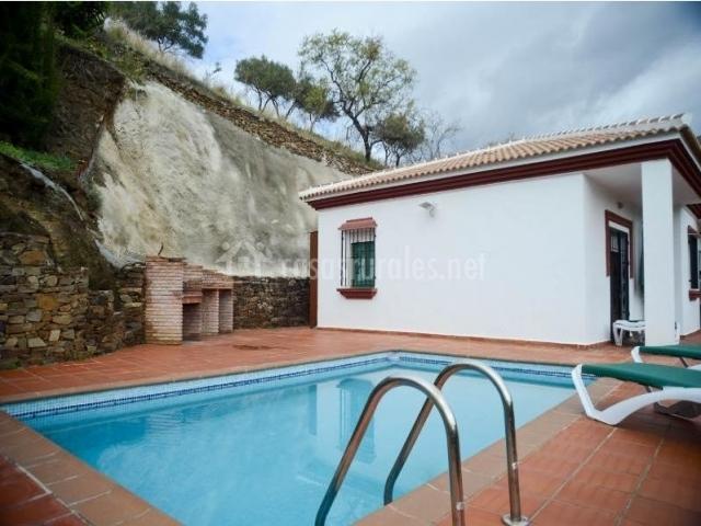 Casa amelia c mpeta en competa m laga for Casas con piscina en malaga